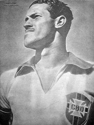 Maior artilheiro do Brasil em uma edição de Copa do Mundo, ADEMIR DE MENEZES marcou 32 gols em 39 jogos. Nove deles somente na Copa de 1950, na qual a Seleção foi derrotada pelo Uruguai.