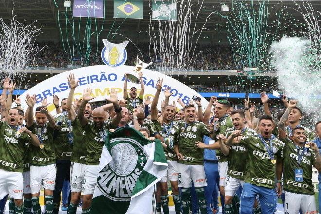 9º Palmeiras - 7 títulos2 Campeonatos Brasileiros (2012 e 2015)2 Copas do Brasil (2012 e 2015)2 Campeonatos Brasileiros Série B (2003 e 2013)1 Campeonato Paulista (2008)