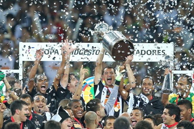 7º Atlético-MG - 10 títulos1 Libertadores da América (2013)1 Recopa Sul-Americana (2014)1 Copa do Brasil (2014)1 Campeonato Brasileiro Série B (2006)6 Campeonatos Mineiros (2007, 2010, 2012, 2013, 2015 e 2017)