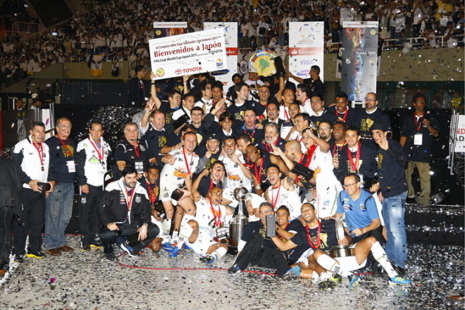 5º Santos - 12 títulos1 Libertadores da América (2011)1 Recopa Sul-Americana (2012)2 Campeonatos Brasileiros (2002 e 2004)1 Copa do Brasil (2010)7 Campeonatos Paulistas (2006, 2007, 2010, 2011, 2012, 2015 e 2016)