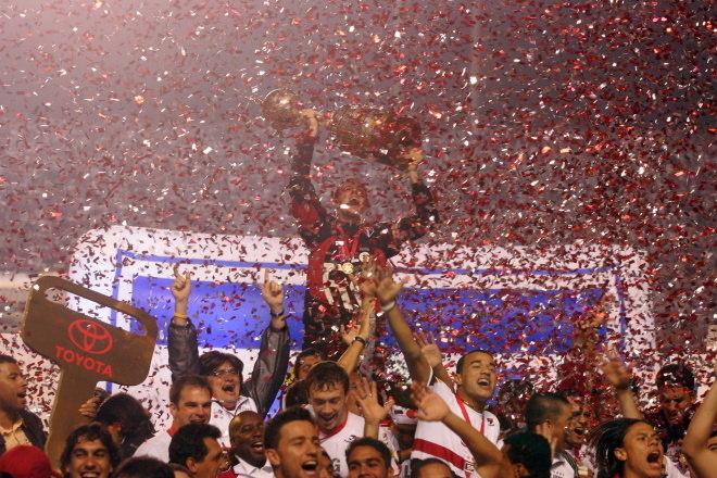 8º São Paulo - 9 títulos1 Mundial de Clubes (2005)1 Libertadores da América (2005)1 Copa Sul-Americana (2012)3 Campeonatos Brasileiros (2006, 2007 e 2008)1 Torneio Rio-São Paulo (2001)1 Campeonato Paulista (2005)1 Supercampeonato Paulista (2002)