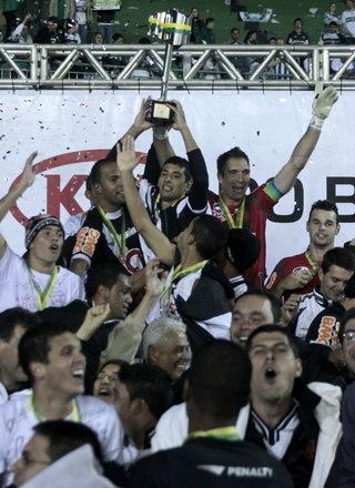 11º Vasco - 5 títulos1 Copa do Brasil (2011)1 Campeonato Brasileiro Série B (2009)3 Campeonatos Cariocas (2003, 2015 e 2016)