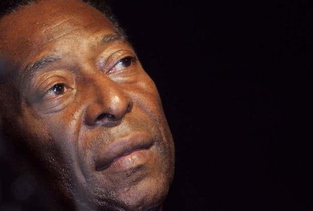 Maior jogador de futebol de todos os tempos, Pelé completa 80 anos nesta sexta-feira (23). Nesta galeria, relembramos algumas conexões do Rei com a Fórmula 1 (Por GRANDE PRÊMIO)