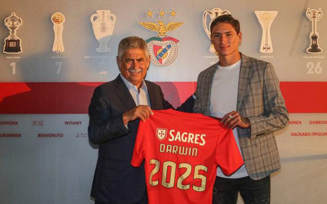 Benfica: Darwin Núñez – R$ 150 milhões - Contratação mais cara da história do Benfica, o atacante uruguaio chegou ao clube português sob o novo comando de Jorge Jesus. Antes, o jogador de 21 anos atuava pelo Almería, da Espanha