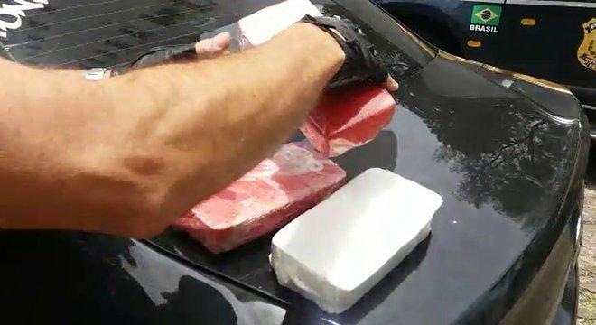 Mais 50 quilos de crack são apreendidos no Litoral Norte Crédito: PRF / Divulgação / CP