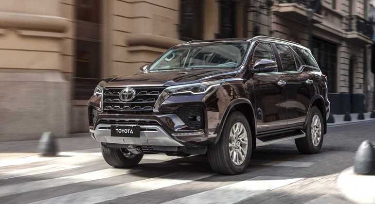 Versão SRX 5 lugares 2.8 Diesel 4X4 AT6 é negociada por R$ 368.590
