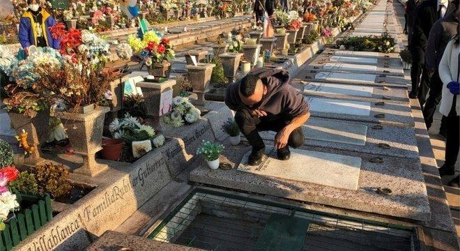 Mais de 7 mil pessoas morreram devido ao coronavírus no país, segundo os dados oficiais.