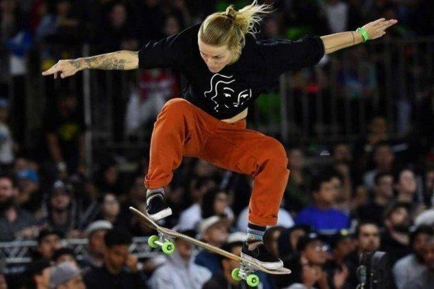 Mais dois atletas testaram positivo para Covid-19 e estão fora dos Jogos Olímpicos de Tóquio. A holandesa Candy Jacobs (foto), do skate street feminino, e o americano Taylor Crabb, do vôlei de praia masculino, foram os novos infectados. Ao todo, já são 79 casos de pessoas credenciadas para a Olimpíada.