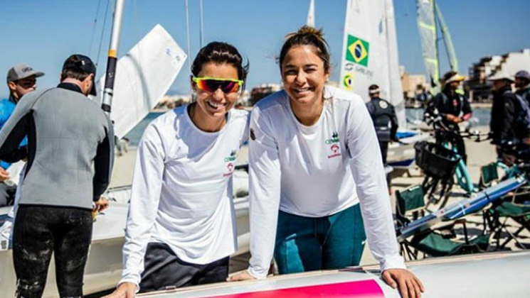Mais estreia na vela: Fernanda Oliveira e Ana Barbachan fazem as regatas 1 e 2 na categoria 470, a partir das 2h50.