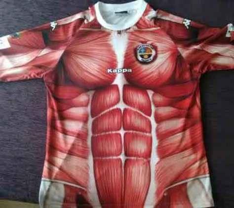 Mais um espanhol, o Palencia trouxe a ideia em seu uniforme de que não havia pele nos jogadores, assim a camisa e o shorts do clube tinham músculos como se os jogadores estivessem sem a pele realmente