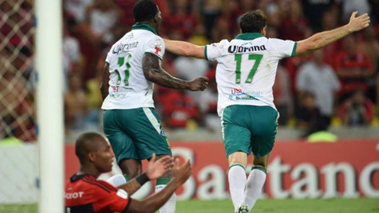 Mais uma eliminação traumática no Maracanã. O Flamengo chegou à rodada final apenas precisando vencer o León em casa para se classificar, mas foi derrotado por 3 a 2 e deu adeus à competição novamente de forma precoce.