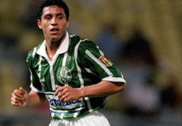 Mais uma vez os dois clubes protagonizaram a final do Paulista. Em 95, no primeiro jogo, 1 a 1 com empate alviverde no fim – lembrando que, naquela partida, Roberto Carlos perdeu um pênalti para o Palmeiras.