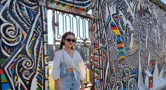 Maisa retornou ao Brasil após quase um mês na Europa
