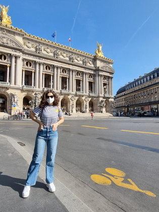 Usando diversos looks estilosos, Maisa explicou que se produz para passar apenas pouco tempo fora do hotel: