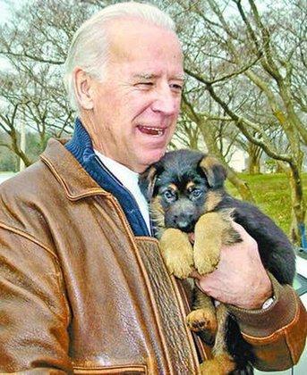 Segundo a NBC News, Biden escolheu o nome Champ, diminutivo de 'champion', ou campeão, em inglês, como homenagem ao pai, que costumava falar 'levanta, campeão', quando ele estava triste