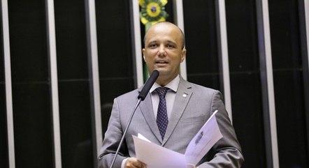 Na imagem, Major Vitor Hugo (PSL-GO)
