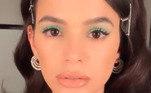 Já no Brasil, Bruna Marquezine também não perde a tendência. Nos últimos cinco anos, o destaque colorido nos olhos tem sido febre entre as celebridades e influenciadorasSombras coloridas: inspire-se em maquiagens de famosas