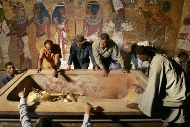 Todos esses estão entre os primeiros visitantes do túmulo de Tutancâmon e morreram com a diferença de poucos mesesLEIA TAMBÉM:Veja as coisas mais bizarras já encontradas em banheiros