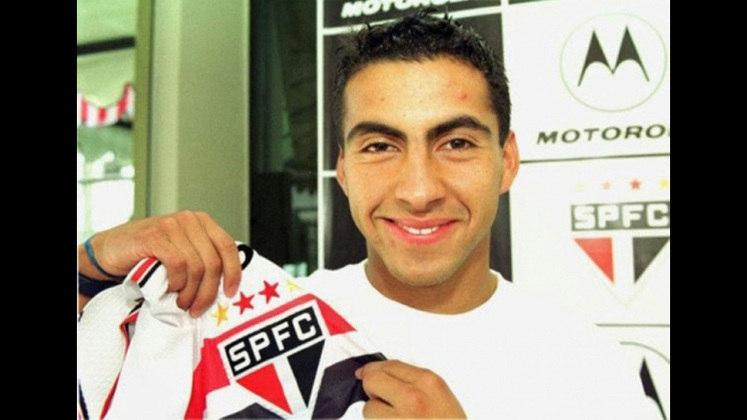 Maldonado - 99 jogos: chileno, o volante jogou no clube entre 2000 e 2002. Fez dois gols nesse período.
