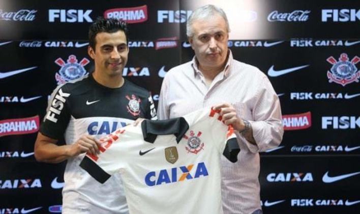 Maldonado - O volante chileno Maldonado teve passagens marcantes por Cruzeiro e Santos, mas no Corinthians é pouco lembrado. Chegou ao clube em 2013 recuperando-se de lesão e atuou só em oito partidas.
