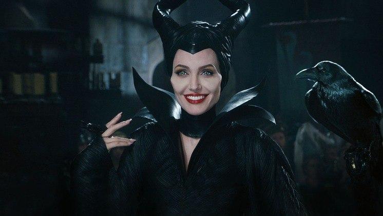 MalévolaUma das maiores antagonistas da história das animações, Malévola ganhou um filme protagonizado por Angelina Jolie, no qual entendemos os acontecimentos que levam a personagem a se tornar uma vilã. A interpretação marcante de Jolie fez com que o público se apegasse de vez
