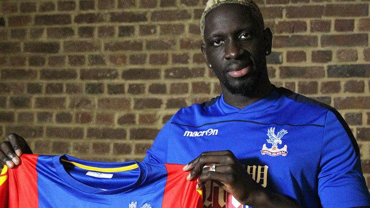 Mamadou Sakho (zagueiro - 31 anos - francês) - Fim de contrato com o Crystal Palace  - Valor de mercado: 6 milhões de euros