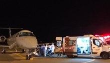 Avião com pacientes transferidos de Manaus pousa em São Luís (MA)