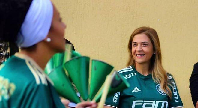 Leila também patrocina o carnaval da torcida organizada Mancha Verde