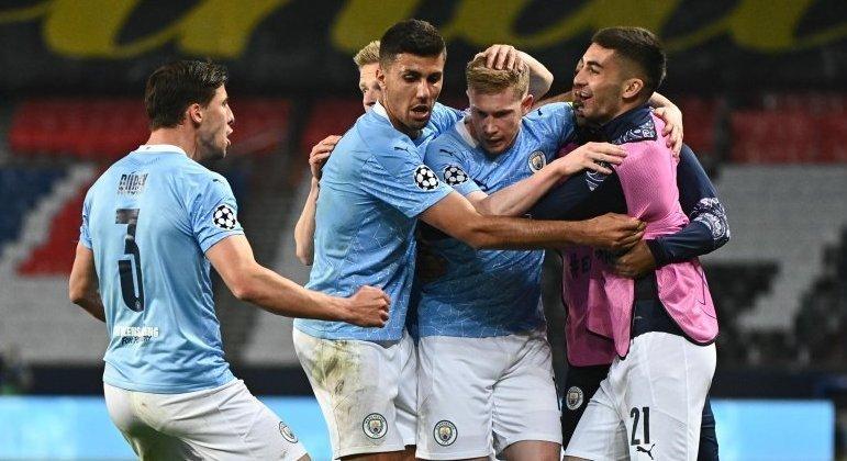 A festa do City pelo gol de empate de Kevin De Bruyne