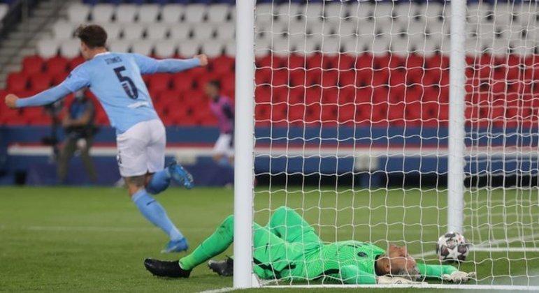 Navas no chão. Gol do City. PSG derrotado em plena Paris. Ingleses se impuseram
