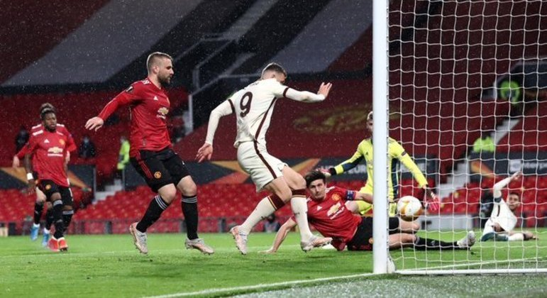 A ilusão da Roma, o momento do gol de Dzeko