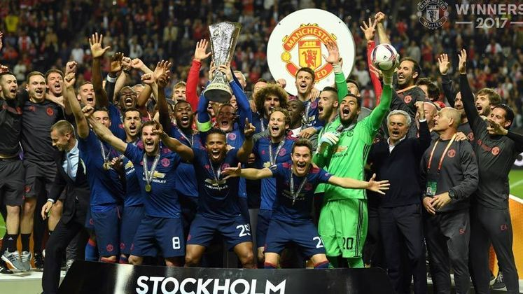 Manchester United (10 títulos) - São 4 Supercopas da Inglaterra, 2 Premier League, 2 Copas da Liga Inglesa, 1 Copa da Inglaterra e 1 Liga Europa. O Manchester Unitem tem história para contar.