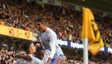 Ainda sem Cristiano Ronaldo, United vence com gol polêmico