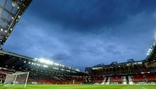 Torcedores do United pedem mudanças após caos da Superliga