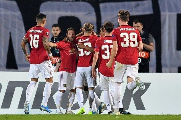 Manchester United - De Gea, Wan-Bissaka, Lindelöf, Maguire, Williams; Van de Beek, Pogba, Bruno Fernandes; Greenwood, Martial e Rashford. Técnico: Solskjaer