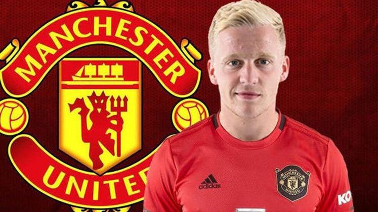 MANCHESTER UNITED - Donny Van de Beek foi o responsável por colocar o Manchester United nesta lista. Os Diabos Vermelhos gastaram 39 milhões de euros (cerca de R$ 243,7 milhões). Mas ele empolgou a torcida.