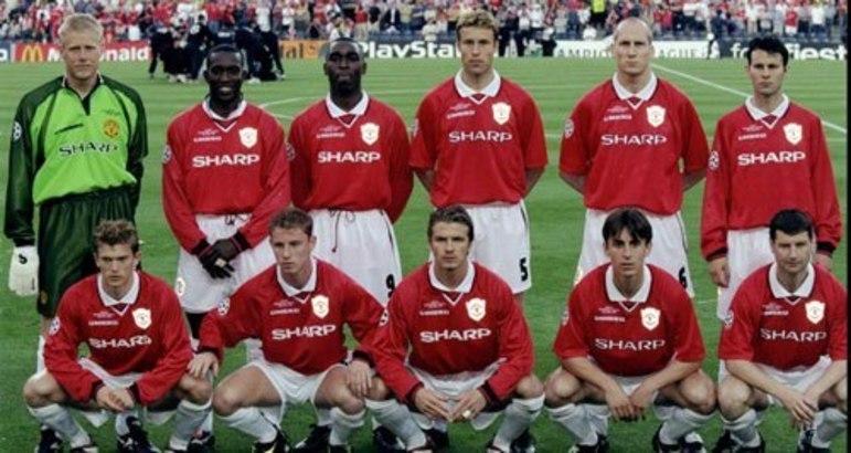 Manchester United - Os Reds Devils conquistaram o título da Champions League de forma invicta em duas oportunidades: 1998-99 (5 vitórias e 6 empates), e em 2007-08 (9 vitórias e 4 empates)