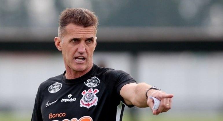 Treinador estava no Corinthians desde outubro
