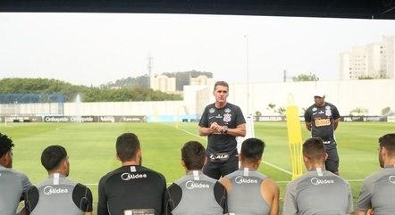 Corinthians volta a campo na quarta-feira