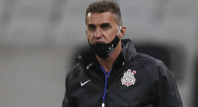 Mancini arriscou o emprego ao priorizar o Paulista. Demitido, sem dó, após derrota para o Palmeiras