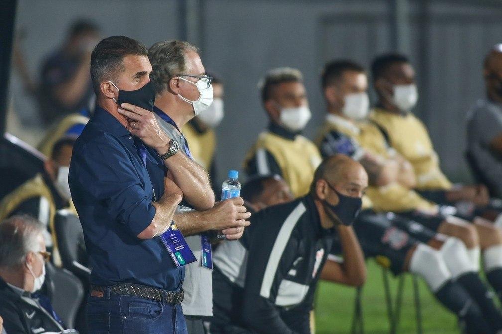 Mancini conformado. Tentou colocar seu time para atacar. Mas falta capacidade técnica