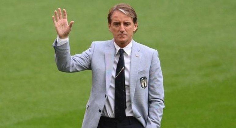 "Roberto Mancini, o ""Mancio"", treinador da ""Azzurra"""