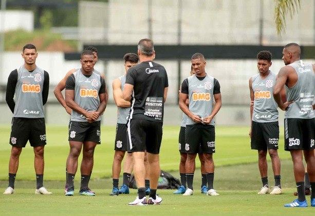 Mancini comandou um coletivo com reservas na vitória contra o Ceará, na última quarta-feira (3), e sete garotos do sub-23, que agora fazem parte do elenco de transição aos profissionais.