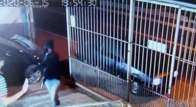Câmera de segurança flagrou ação de assassinos na oficina