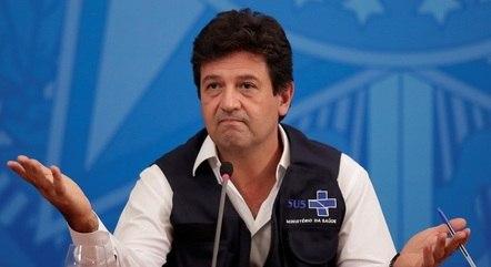 Em livro, Mandetta acusou Bolsonaro de omissão