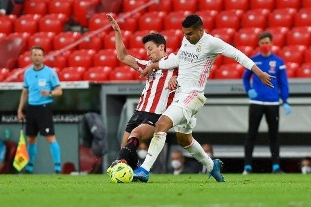 MANDOU BEM - Casemiro foi bem no momento defensivo, mandou uma bola na trave de cabeça e deu assistência para Nacho marcar o gol da vitória do Real Madrid sobre o Bilbao