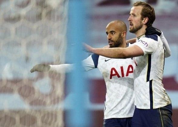 MANDOU BEM - Lucas Moura deu assistência para Carlos Vinícius marcar contra o Aston Villa e criou as principais chances do Tottenham