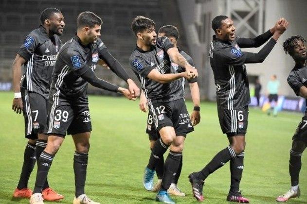 MANDOU BEM - Lucas Paquetá comandou a grande vitória do Lyon sobre o Nimes com dois gols e uma assistência