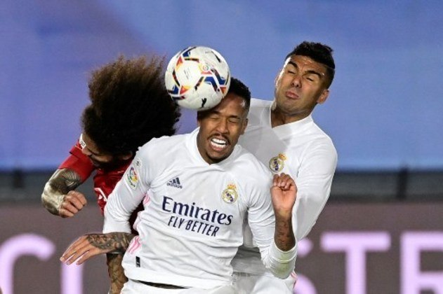 MANDOU BEM - Militão foi o craque do jogo do Real Madrid, levou muito perigo ao Osasuna nas bolas paradas e marcou um gol de cabeça