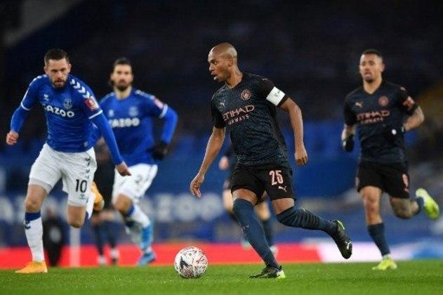 MANDOU BEM - Na vitória do Manchester City sobre o Everton pela FA Cup, Fernandinho foi o principal destaque defensivo do time de Guardiola com muitas intervenções e duelos vencidos